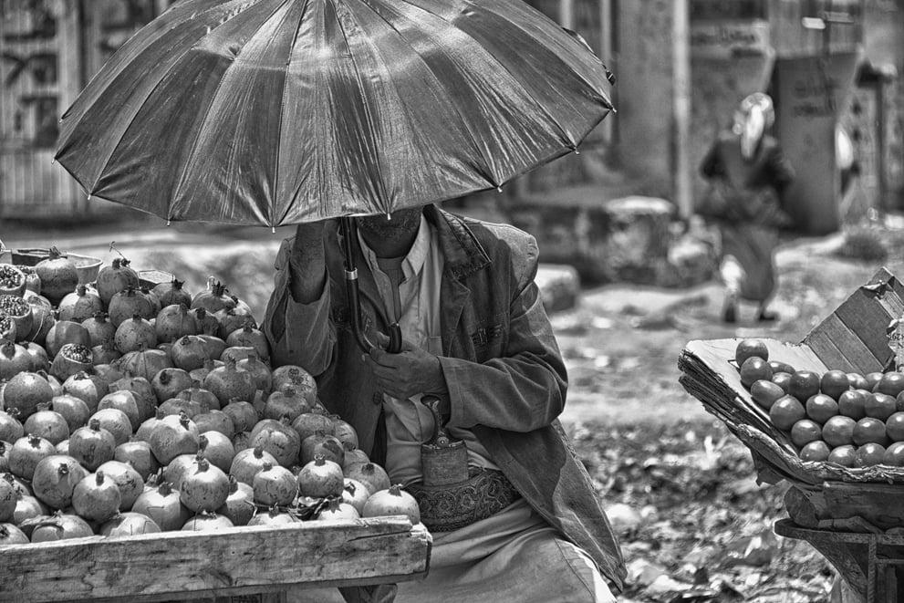 pomegranate-seller